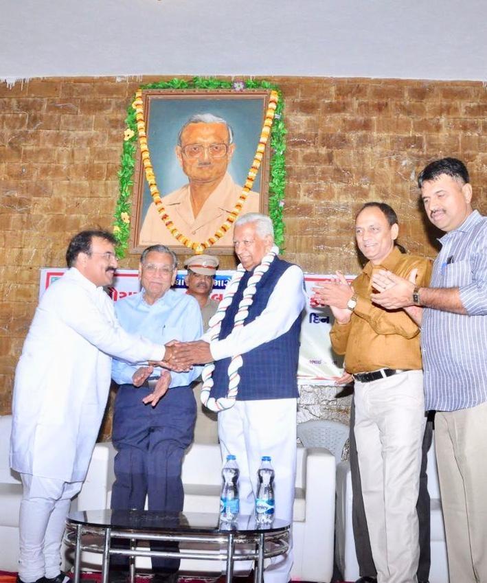Dr Nidatt Barot with Governor Vajubhai Vala
